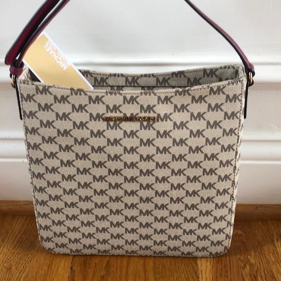 06387d5e9f342c Michael Kors Bags | Sale228 Crossbody | Poshmark